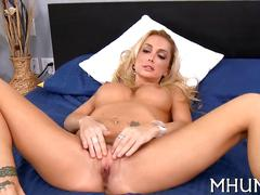 Hot blonde milf gets her ripe pussy nailed in bed