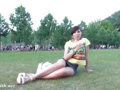 Jeny smith upskirt flash in a public park