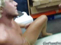 Amateur gives cum facial