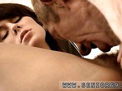 Old geezer fingers a hot young doctor in her office