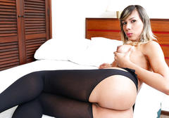 Gorgeous tgirl keyce bittencour plays her hard dick and imagines dirty