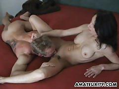 Amateur brunette gets her pussy eaten