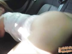 Antonia sainz gives a nice blowjob and fucked in the backseat