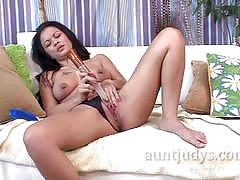 Amateur brunette dildo fucks her hot pussy