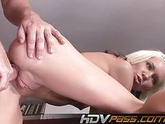 Striking blonde hottie gets plugged