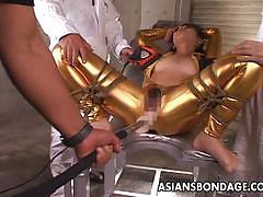 Japanese brunette gets her pussy vibed