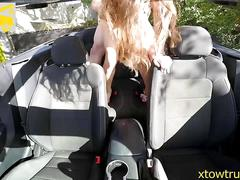Big boobs teen works a tow truck drivers cock in her car
