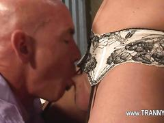 Sexy blonde tranny opens wide for a fat cock