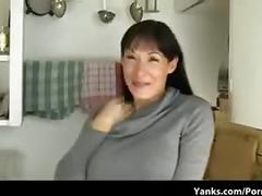 Mom masturbates on kitchen counter