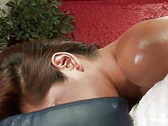 Tranny milf gets a sensual massage