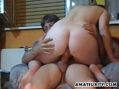 Wild amateur gets her pussy slammed