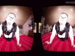Elli zeigt dir ihre fotze und ihre megatitten in vr