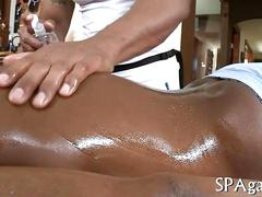 Black dude has a hot massage he really enjoys