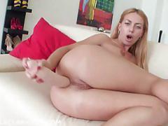Sexy isabella clark dildo fucks her ass