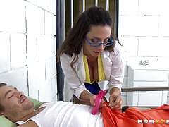 Prison doctor ariella ferrera fucks in a cell