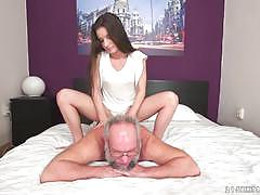 Anita bellini fingers fucks and sucks an old grey man