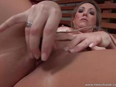 Awesome latina milf gives great blowjob