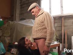 Papy voyeur volume 32 - scene 1