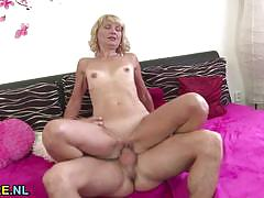 Mature blonde gets her pussy nailed