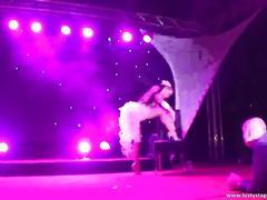 Erotic show with amazing asian slut