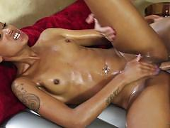 Skin diamond hammered by married man