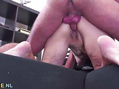 Mature amateur gets her pussy pummelled