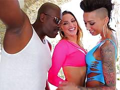 Anal interracial with bella bellz and juelz vetura