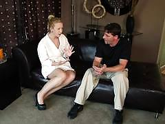 Sucking sweetheart samantha rone gags on dick at her nuru massage centre