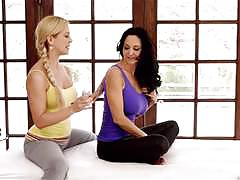 Hot milf massage with ava addams and cherie deville