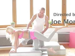 Relaxxxed - babe vanessa hell blows her fitness instructor