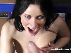 Super nasty young slut sucking off her boyfriend