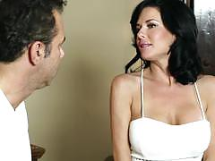 Masseuse massages analy veronica avluv and she squirts everywhere
