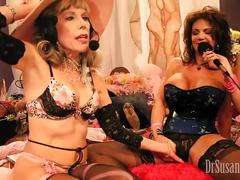 Deauxma squirts 27 times