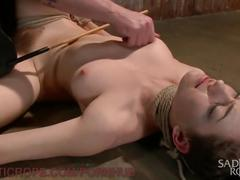 Pretty pain slut gets brutal bondage