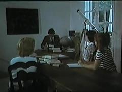 Collegiennes a tout faire (1977) with marylin jess