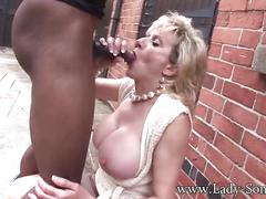 Lady sonia trophy wife barebacked outdoors www.descargarpeliculaspor
