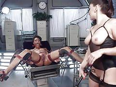 Bounded salve is tortured by the white mistress