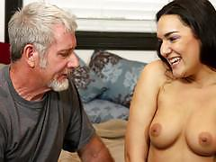 Mature man sucked off by cute paisley parker