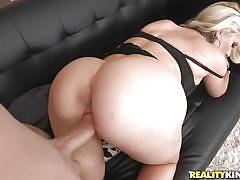 Milf goddess gets fucked by a lucky guy