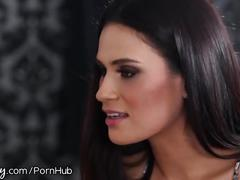 Girlsway kendra lust wet for her new niece