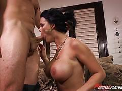 Peta jensen loves to get hammered deep in her clit slit