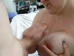 Curvynbusty sucks cock