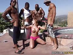 Luscious britney amber enjoys outdoor fuck