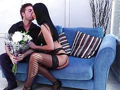 Jasmine jae welcomes her man home with a sexy surprise