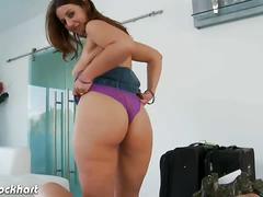 Brunette lexxxi lockhart blowing a big cock in pov