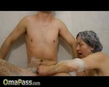 Granny wants to take a bath and suck