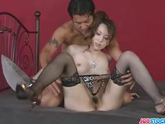 Yui hatano spreads open for a deep drilling