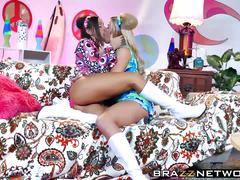 babes, blondes, brunettes, hd videos, lesbians