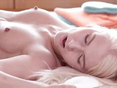 Relaxxxed - hot oil massage with ashely love and katy rose