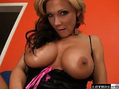 Rampant nikki sexx treats her pussy to a big dick